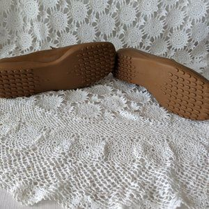 Avon Shoes - Avon Tan Ostrich Look Driving Loafers Size 7.5 NOS